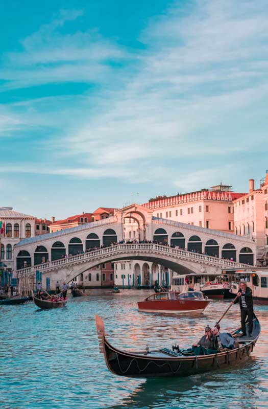 Rent luxury car in Venice - rentloox.com